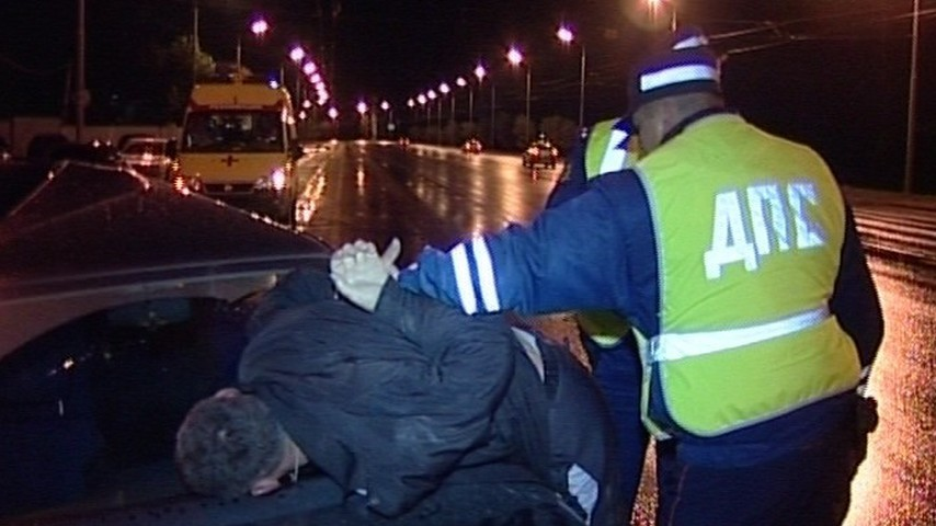 Житель Няндомы обвиняется в нападении на инспектора ГИБДД
