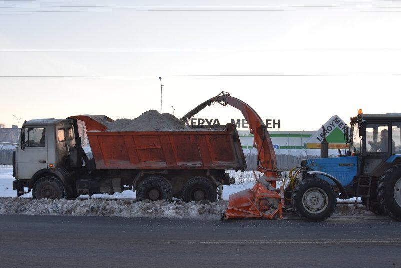 Снегопад стал неожиданностью для коммунальных служб Архангельска