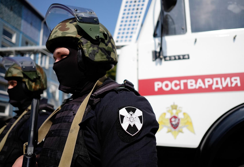 ОМОН Росгвардии направлен в Ленский район, где жители блокируют дорогу