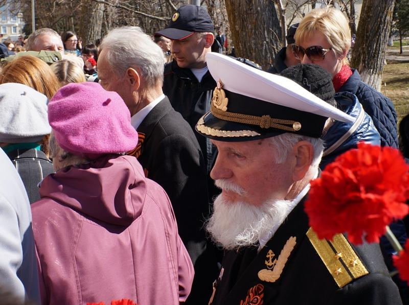 Церемония затянулась, и кадеты падали в обморок. «Бессмертный полк» в Архангельске