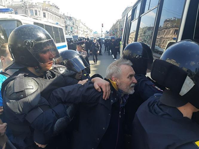 Мнения членов СПЧ по задержаниям Первого мая в Санкт-Петербурге разделились