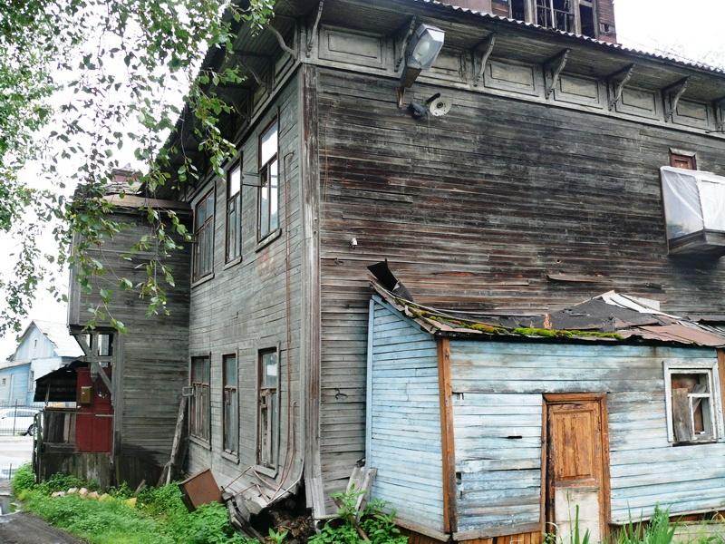 Прокуроры Архангельска примут граждан из аварийного жилья