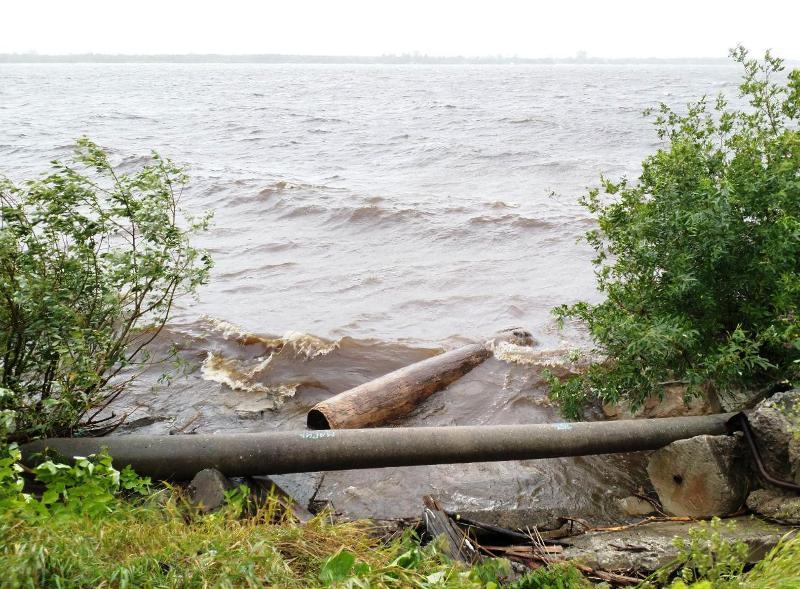 Штормовой северный ветер нагонит в Архангельск волну