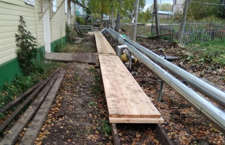 Бобровский заградопровод обрастает бумагами