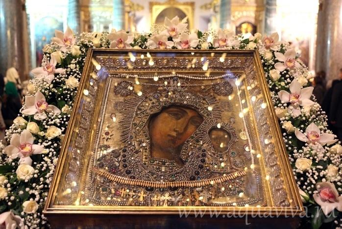 В храмах Архангельской епархии проходят богослужения в честь праздника Казанской иконы Божией Матери