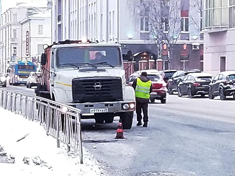 Архангельские дорожники ведут ремонт дорог при минус десяти