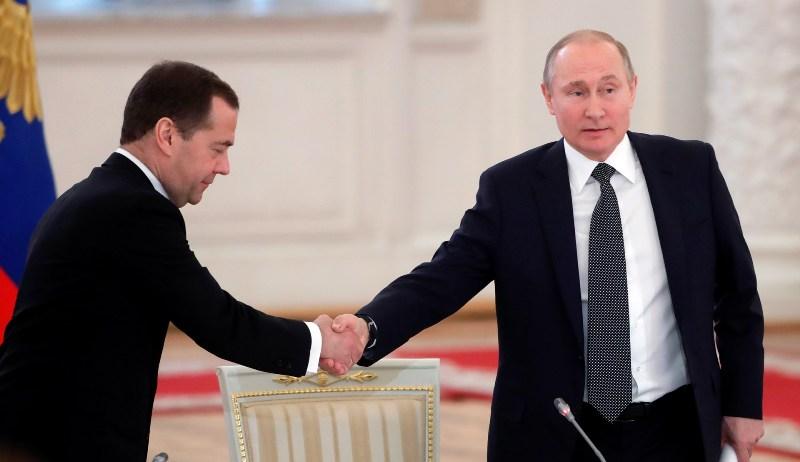 Правительство России уходит в отставку после послания Президента