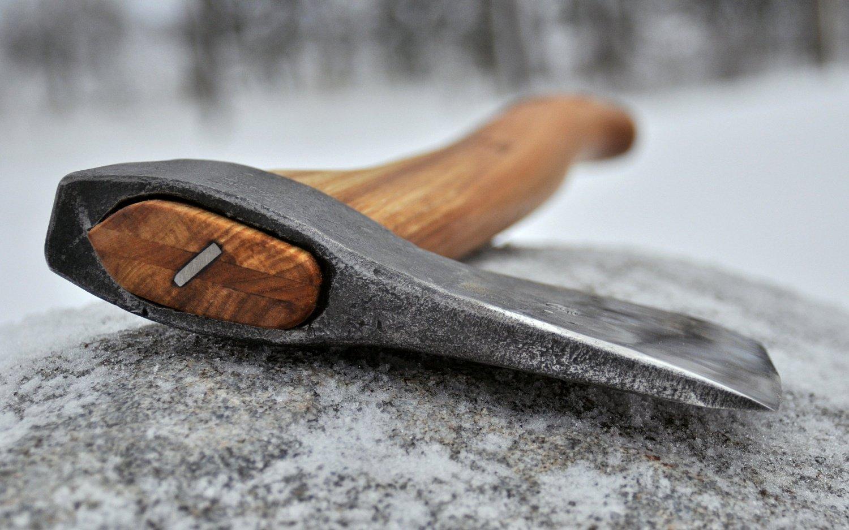 В Архангельской области безработный забил свою подругу топором
