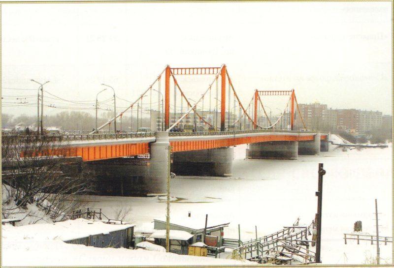 Кузнечевский мост стоит на деревянных сваях, которым 83 года