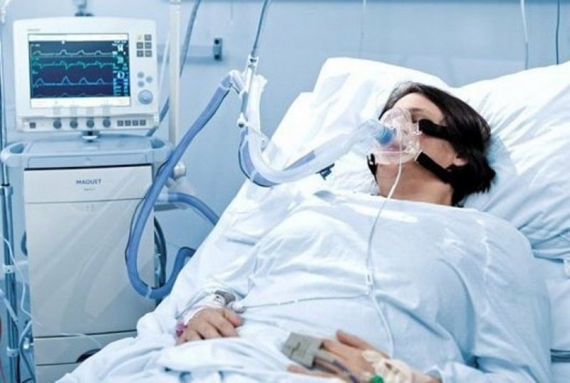 В Архангельской области трое пациентов с COVID-19 находятся в тяжёлом состоянии