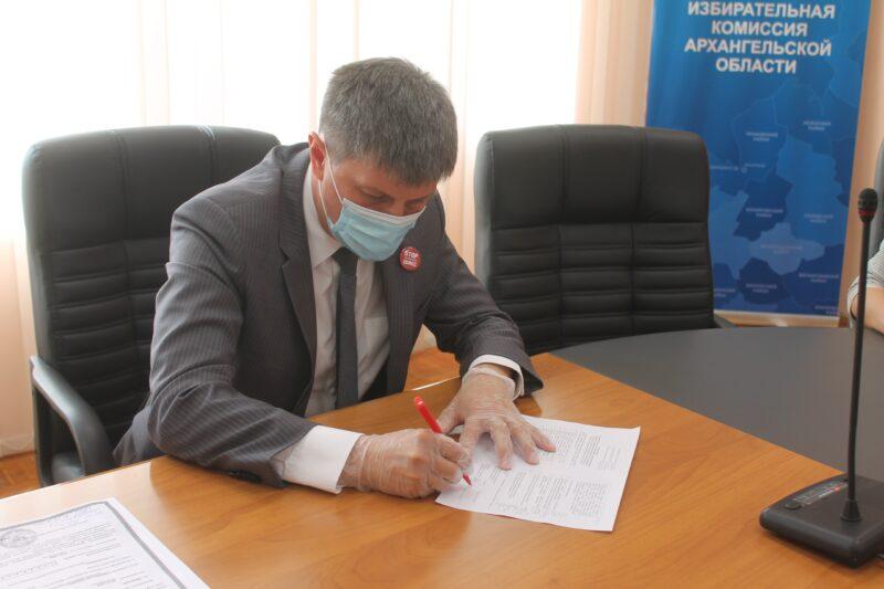Олег Мандрыкин свои шансы на выборах губернатора оценил высоко
