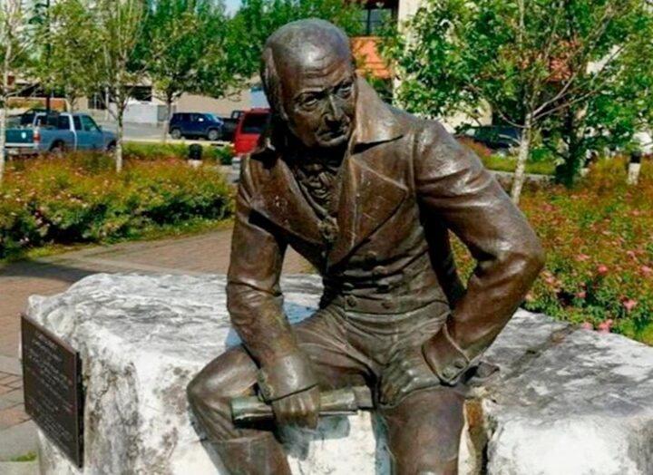 Александр Цыбульский готов забрать памятник Баранову из Америки