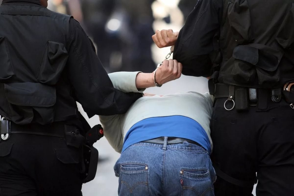 Пятеро задержаны в Архангельске накануне митинга в поддержку Навального