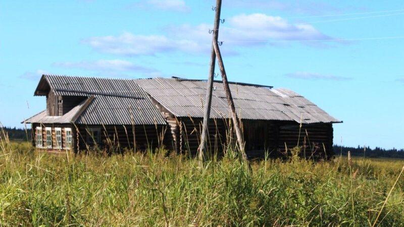 В Онежском районе деревни третьи сутки остаются без света