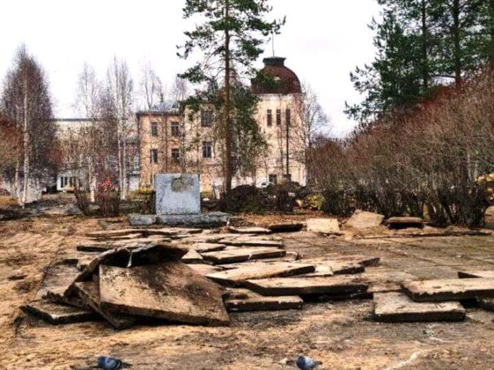 В Архангельске из соломбальского сквера убрали Ленина